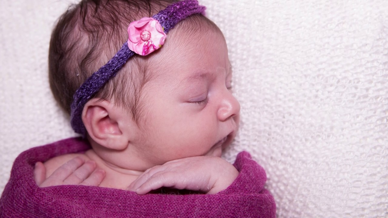 Baby's moments photo clip